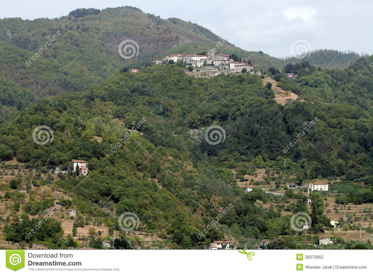 Barga Italy  City new picture : Barga a medieval hilltop town in Tuscany.Italy.