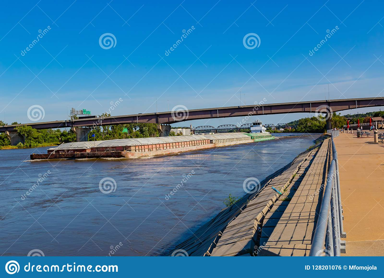 A Barge Moving Northwards On River Missouri At Omaha Stock