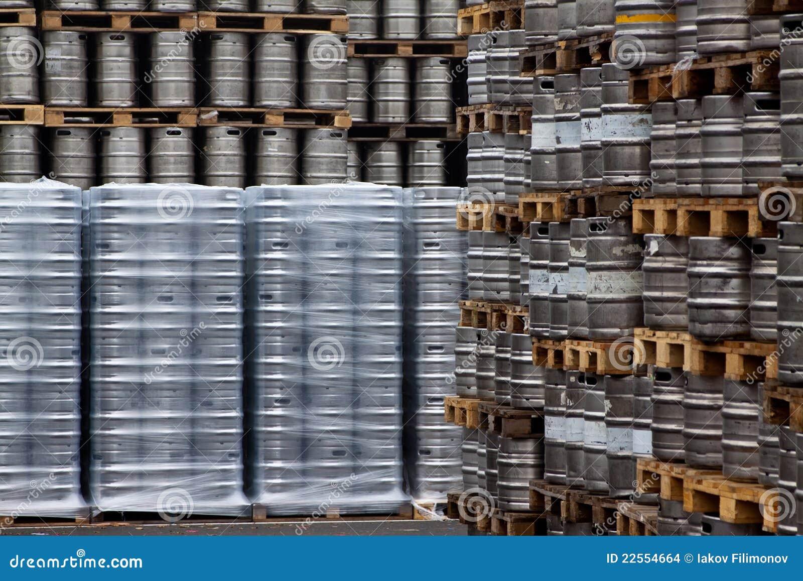 Barillets de bière dans les lignes
