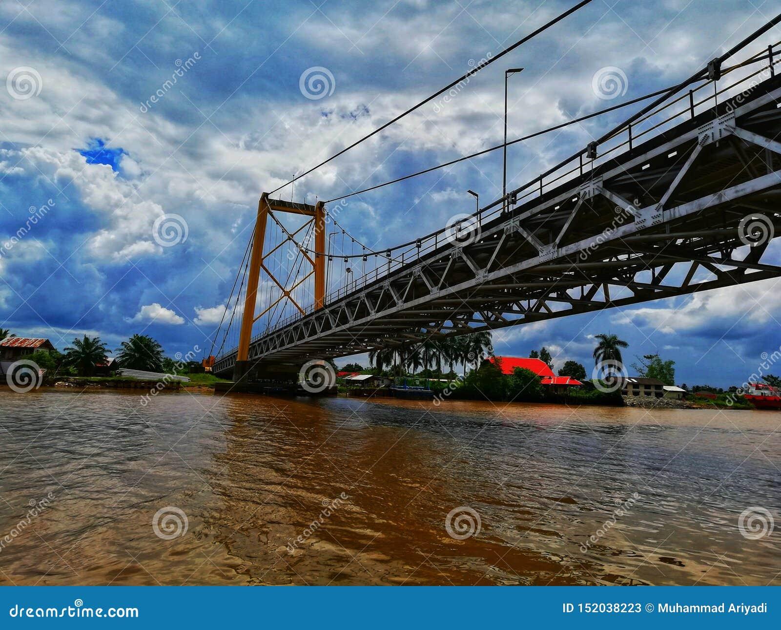 Barito-Brücke