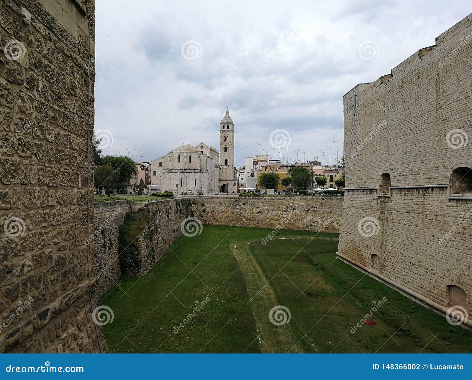 Barletta - catedral da ponte do castelo