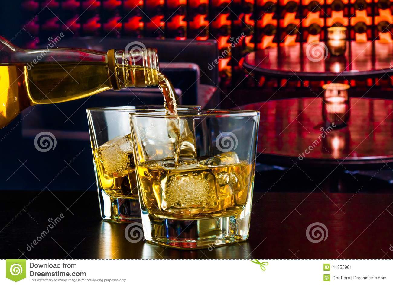 Barman Pouring Whiskey Lounge Bar Wood Table Photos Free Royalty Free Stock Photos From Dreamstime