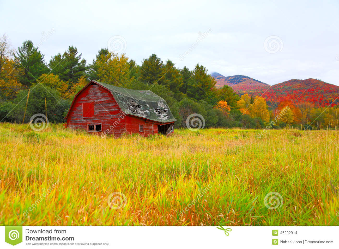 A Barn In The Colors Of Fall Stock Photo Image 46292914