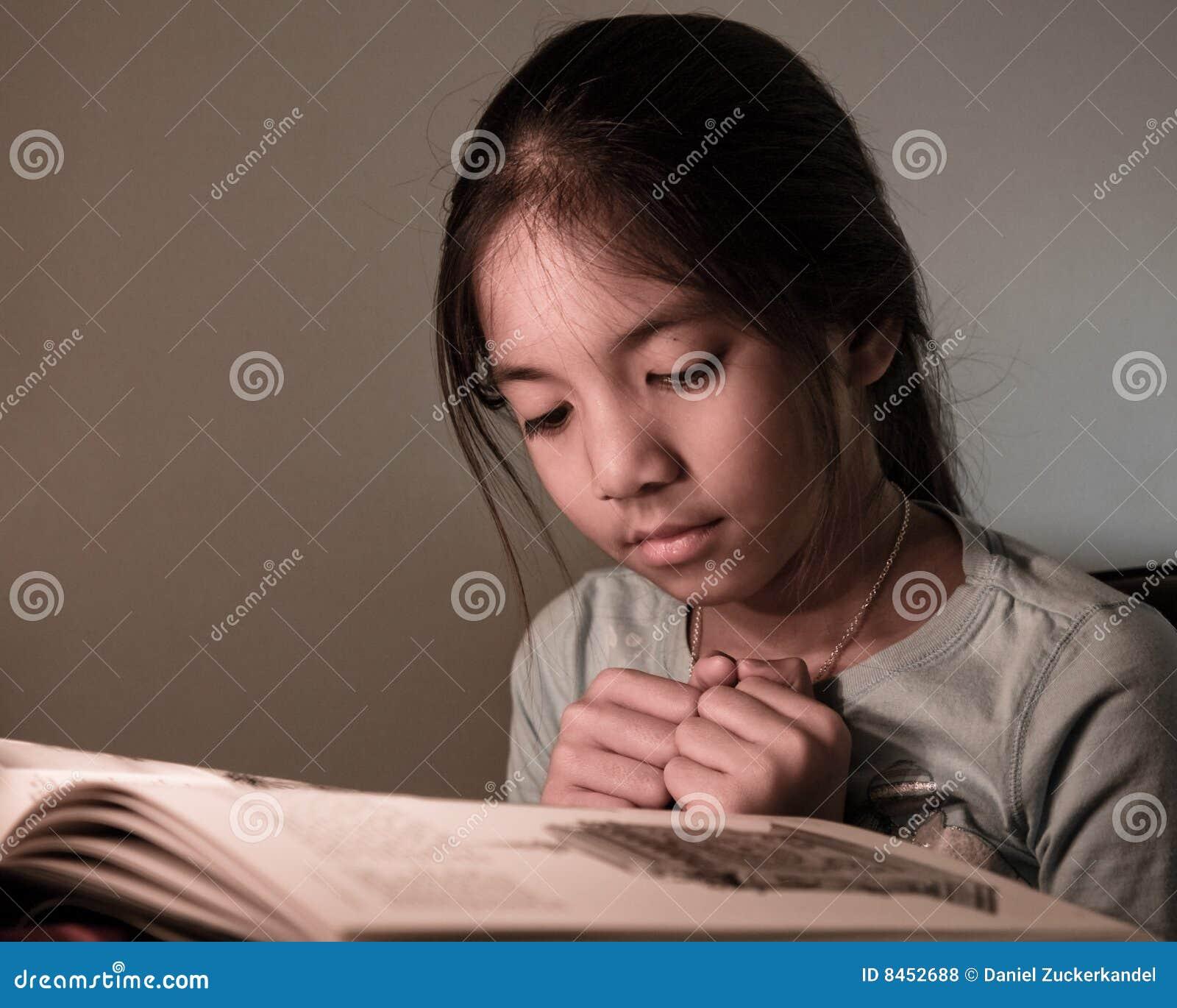 Barn för bokavläsningsdeltagare