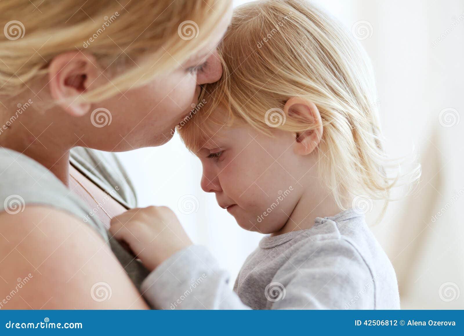 Barn henne moder