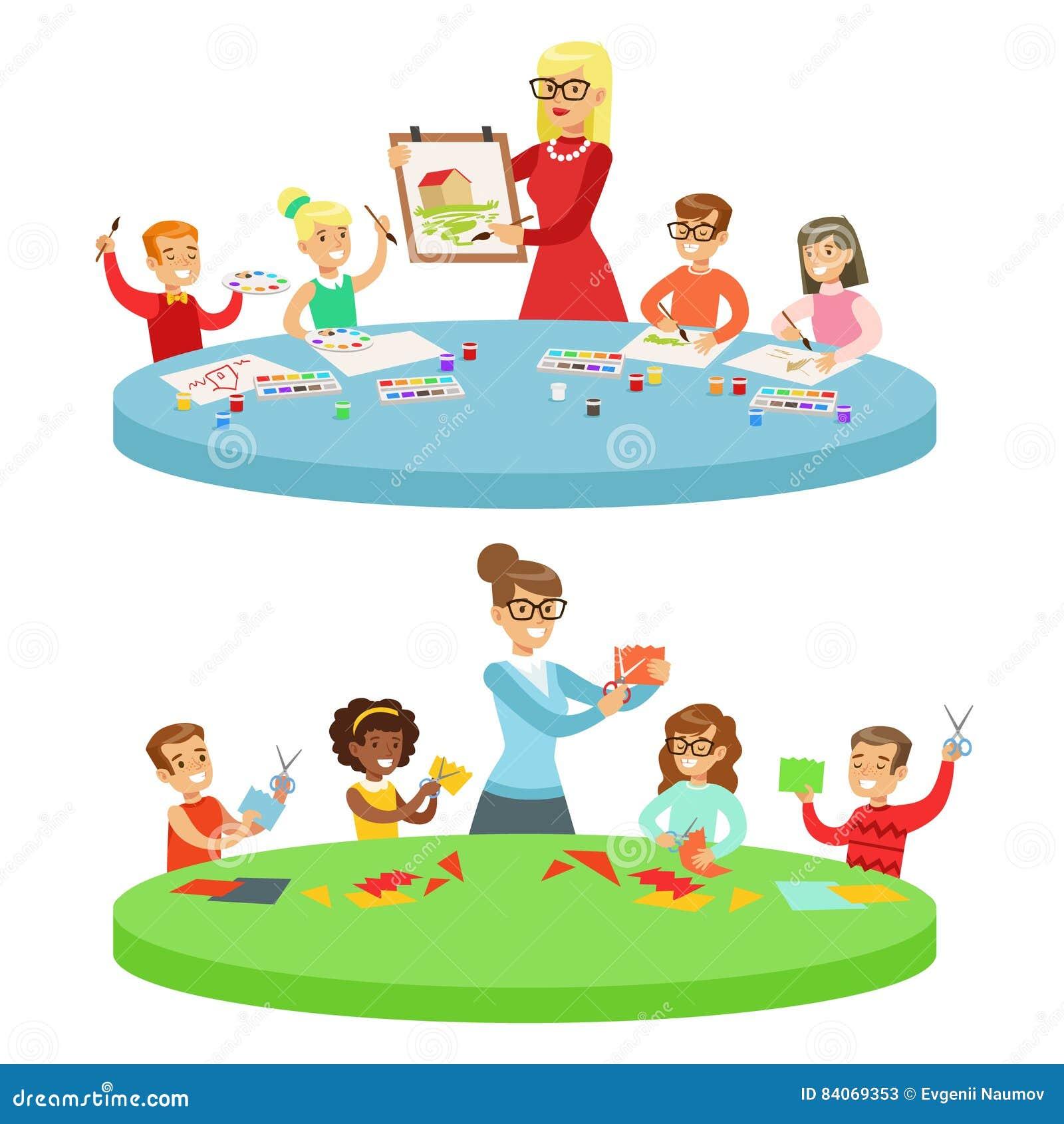 Barn i Art Class Two Cartoon Illustrations med grundskolaungar och deras Techer som in tillverkar och drar