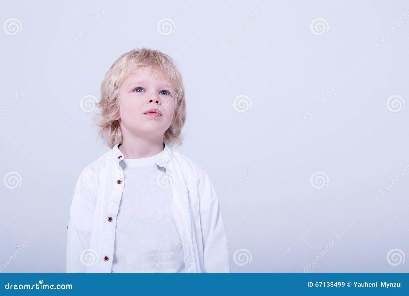 Barn i den vita studion