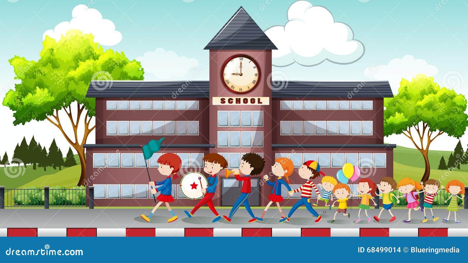 Barn som framme marscherar av skola