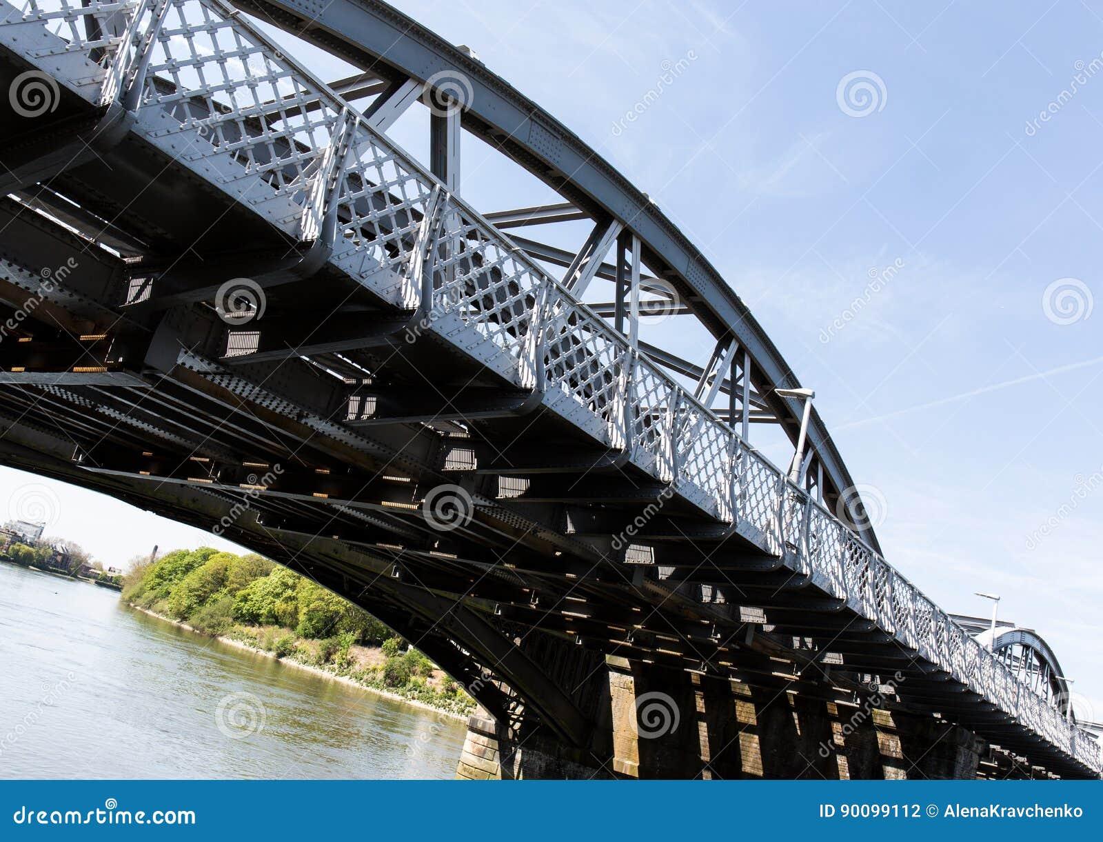 Barnes Bridge stock photo. Image of fulham, blue, britain ...
