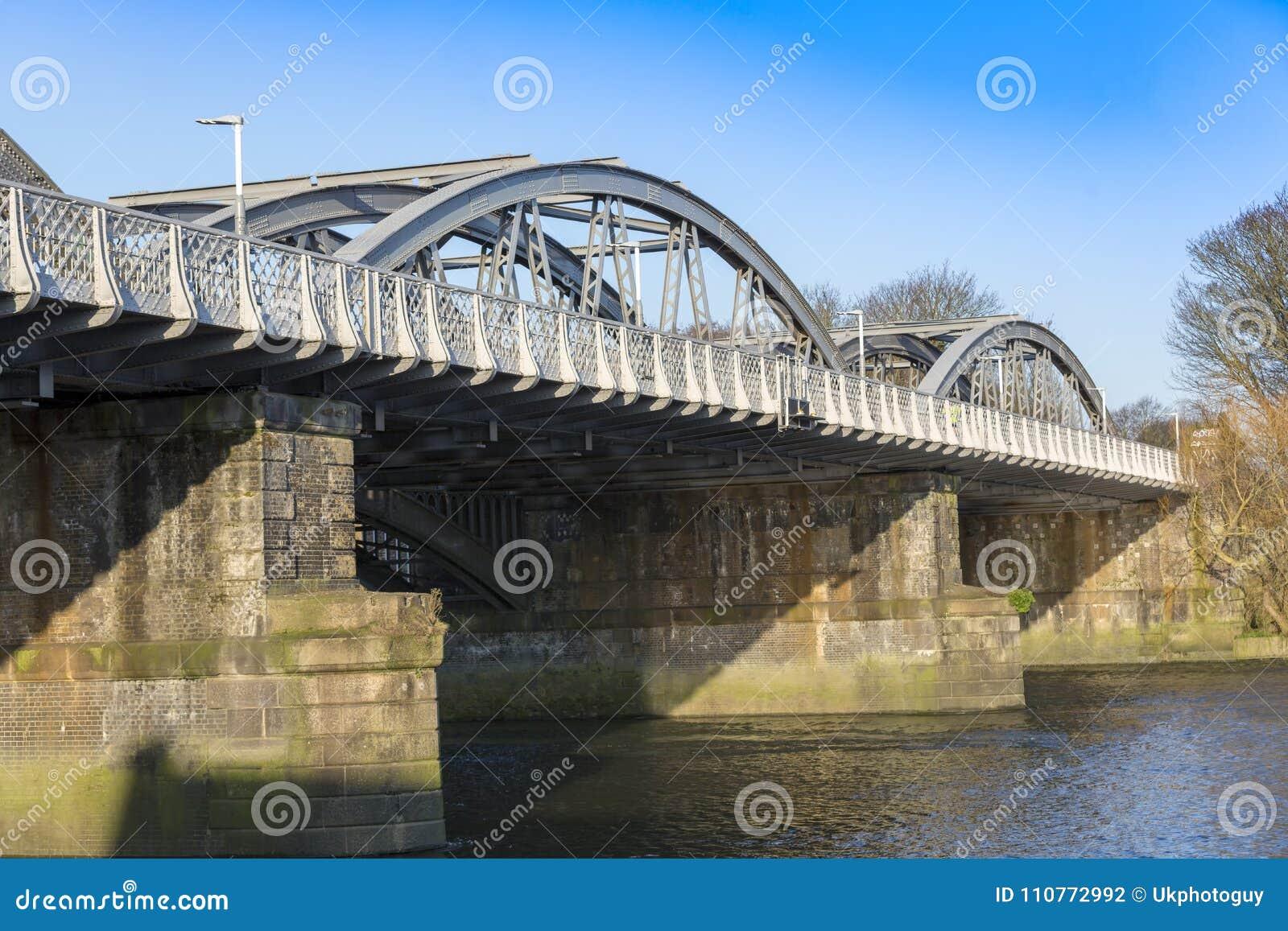 Barnes Railway Bridge, Over The River Thames, London, UK ...