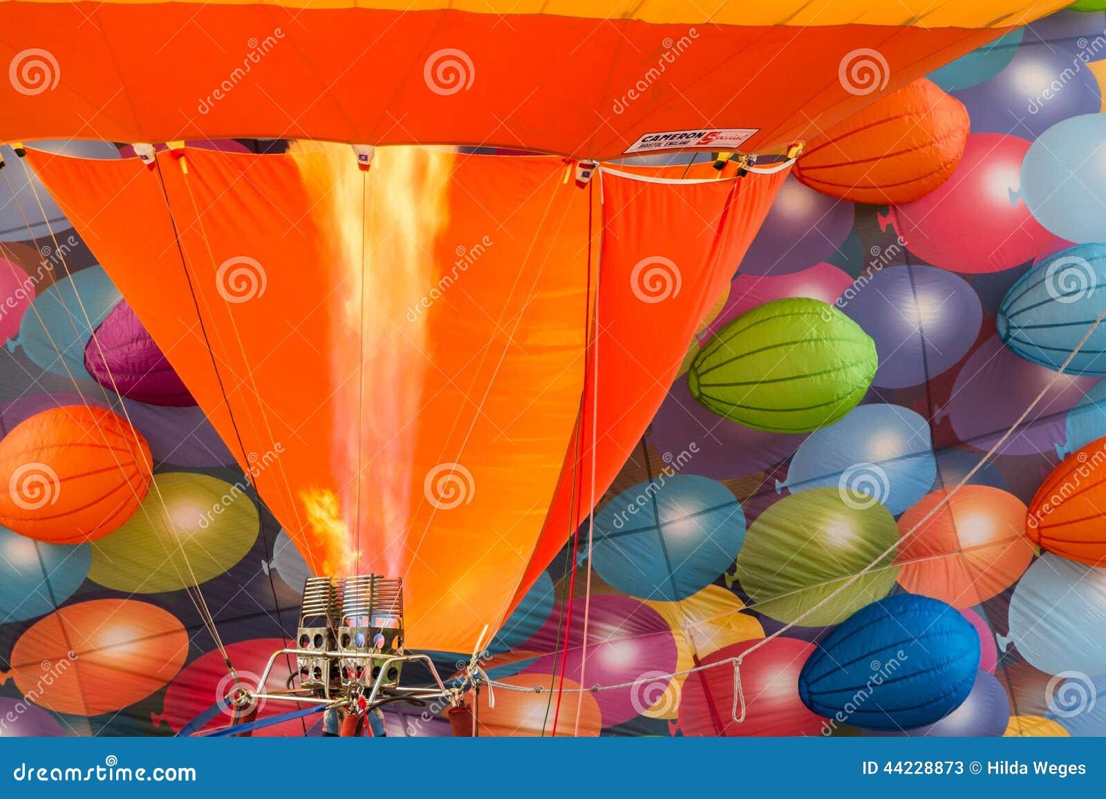 BARNEVELD, PAESI BASSI - 28 AGOSTO: Tum variopinti degli aerostati