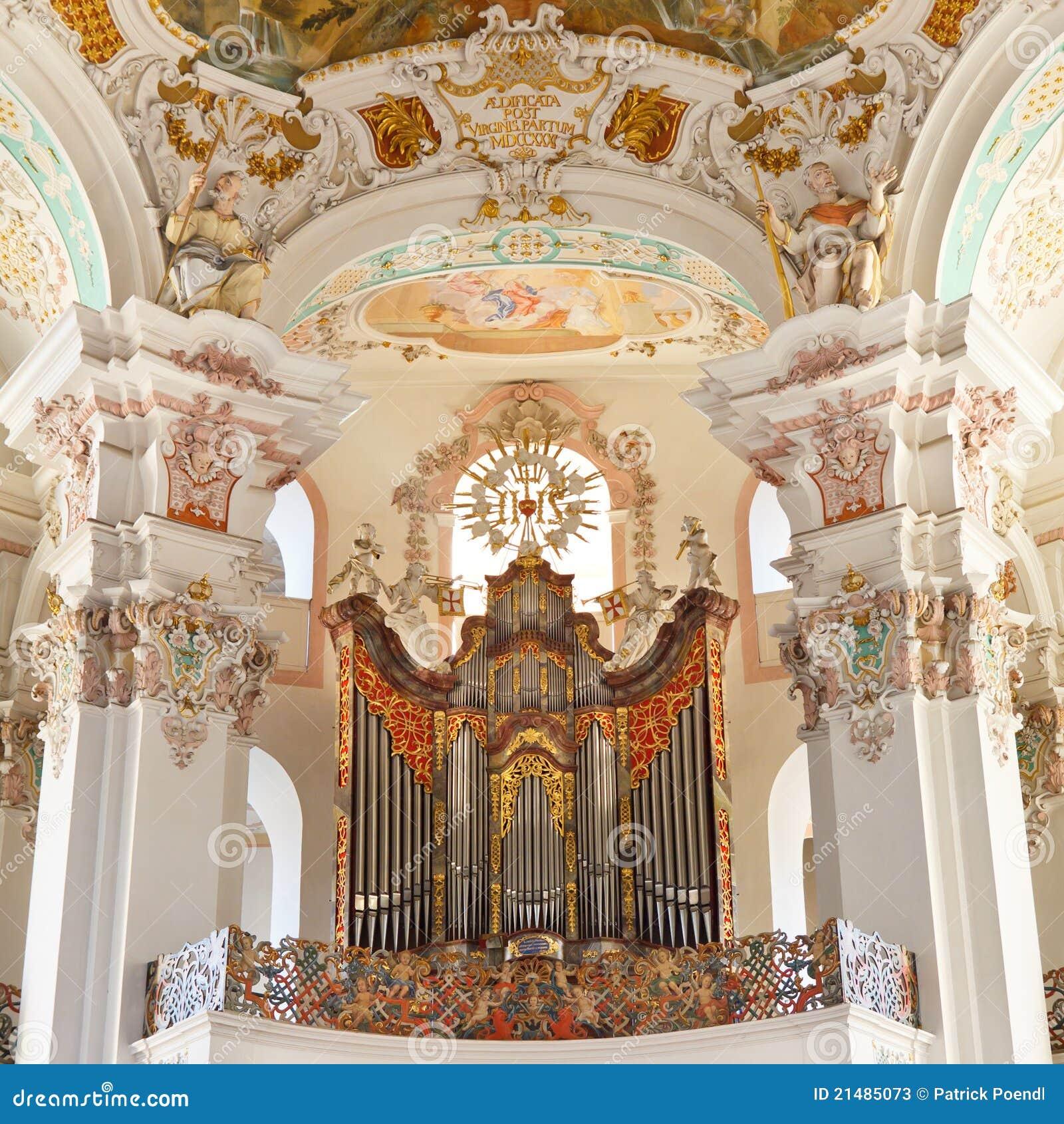 Barokowy kościelny organ