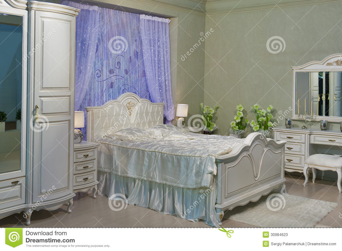 Baroque bedroom stock image image of baroque lilly - Chambre a coucher baroque ...