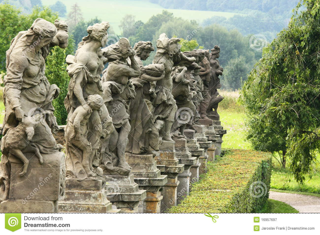 Baroque statues royalty free stock photography image for Baraque jardin