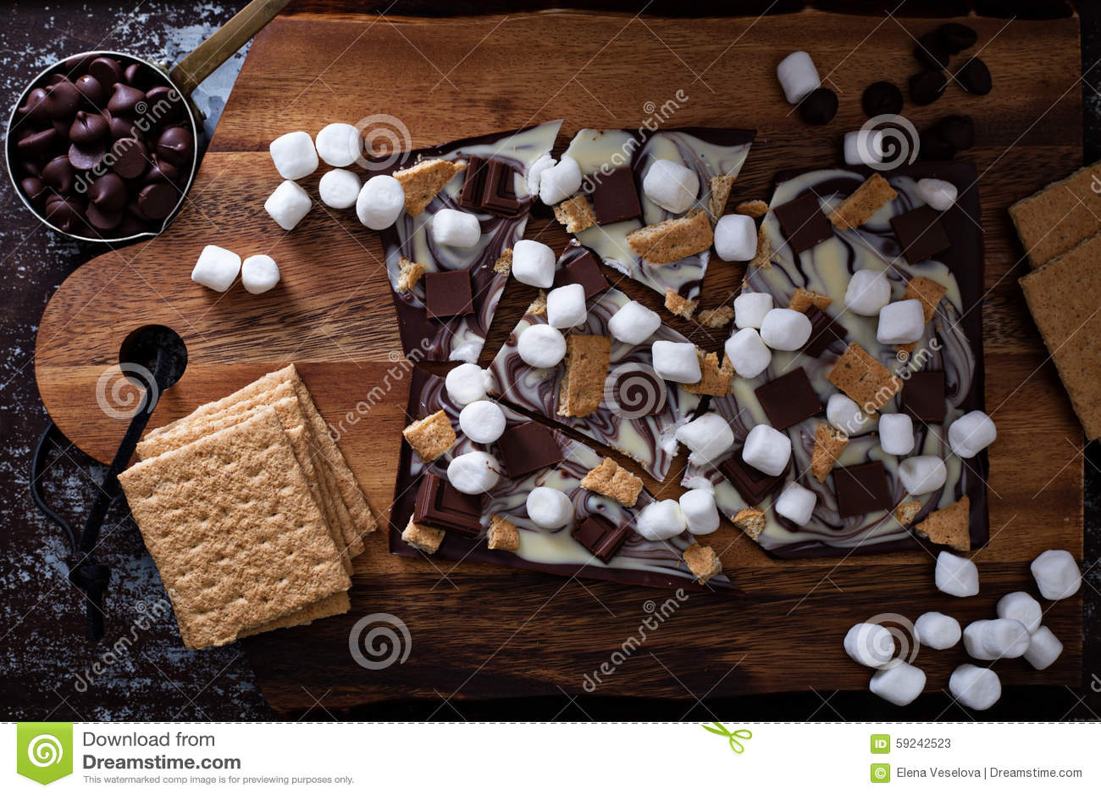 Download Barra De Chocolate Con Las Melcochas Imagen de archivo - Imagen de mordedura, derretido: 59242523