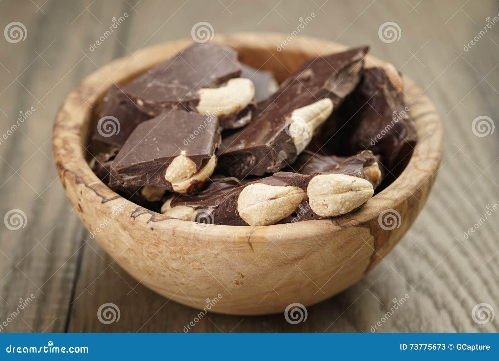 Barra del chocolate hecha en casa quebrada con los for Casa con piscina quebrada alvarado