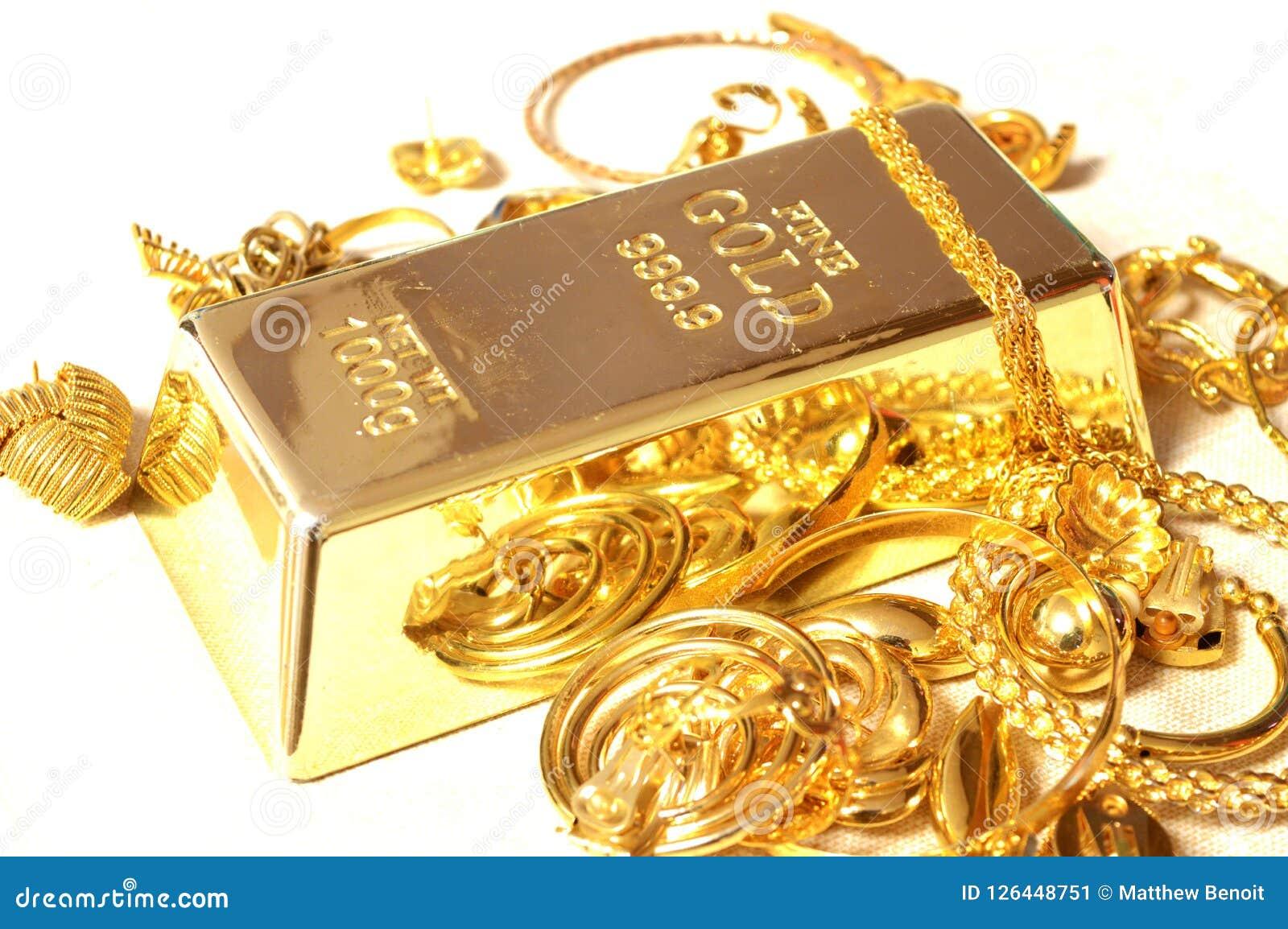 Barra e joia de ouro
