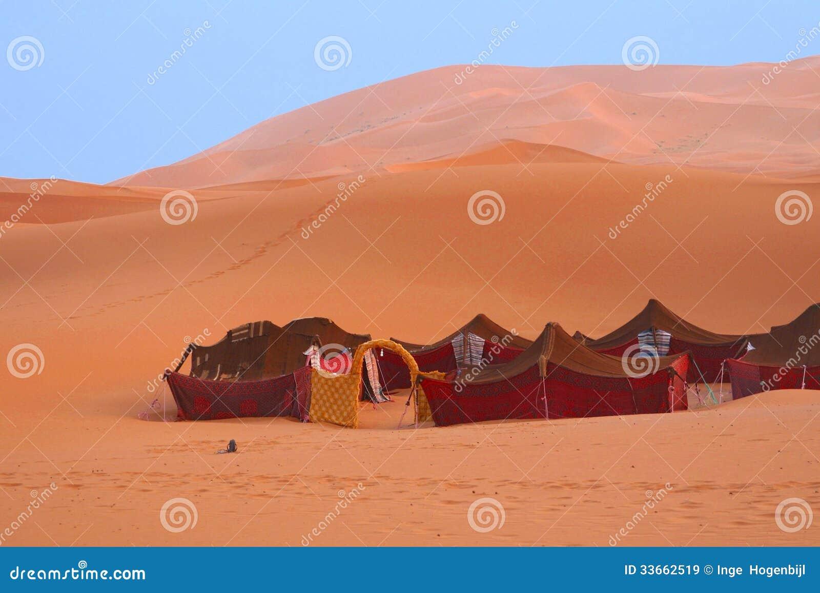 Barracas beduínas no Sahara