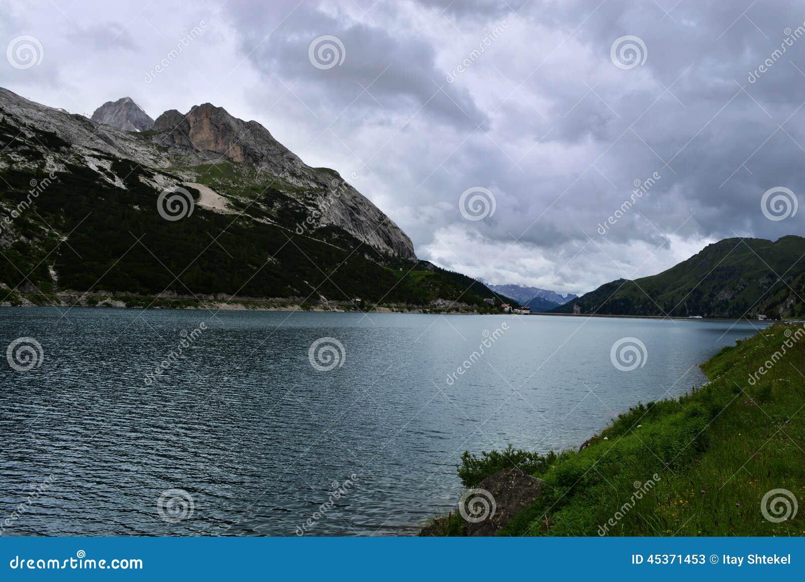 Barrage Italie de Fedaia