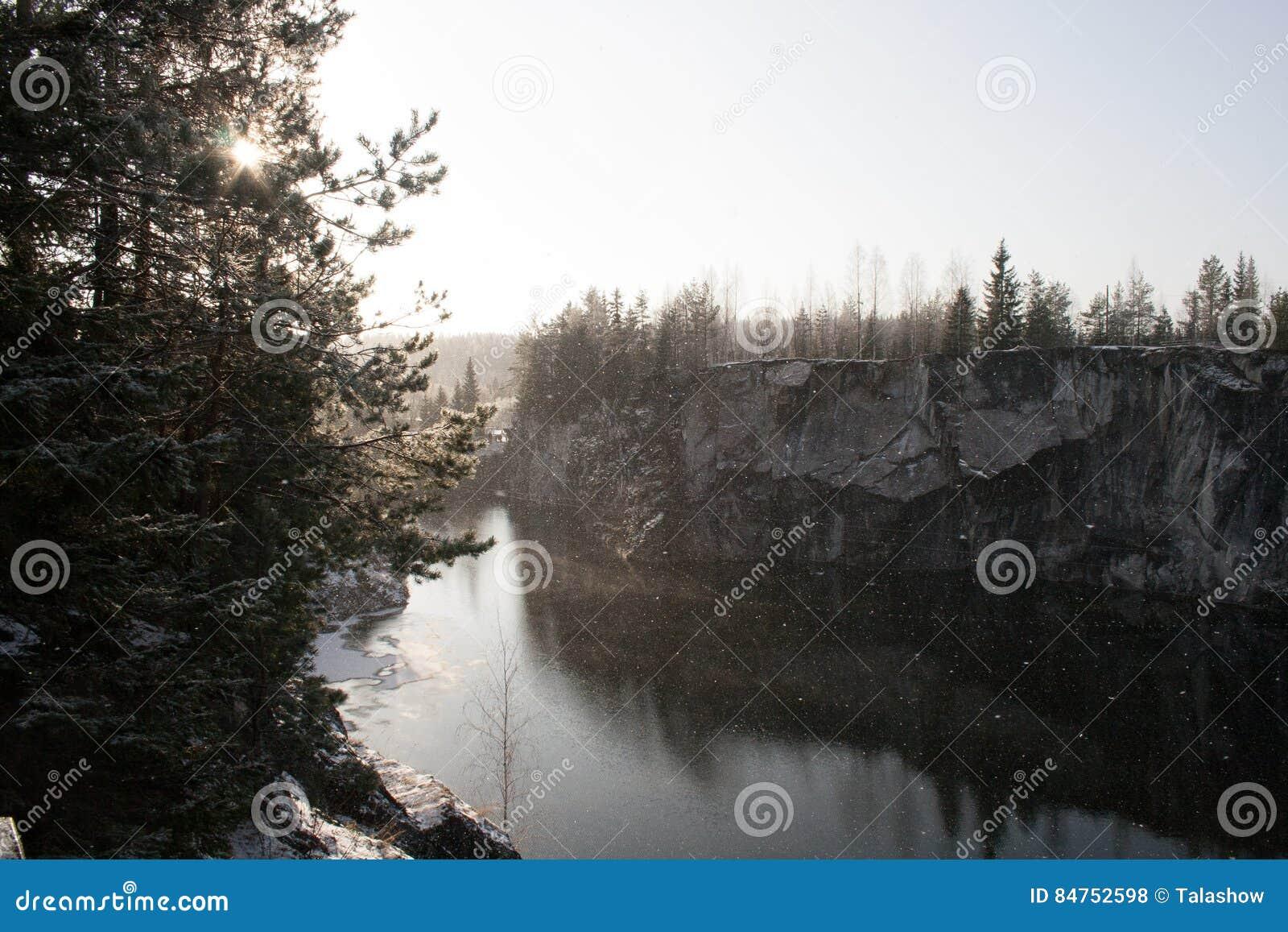 Barranco de mármol en invierno