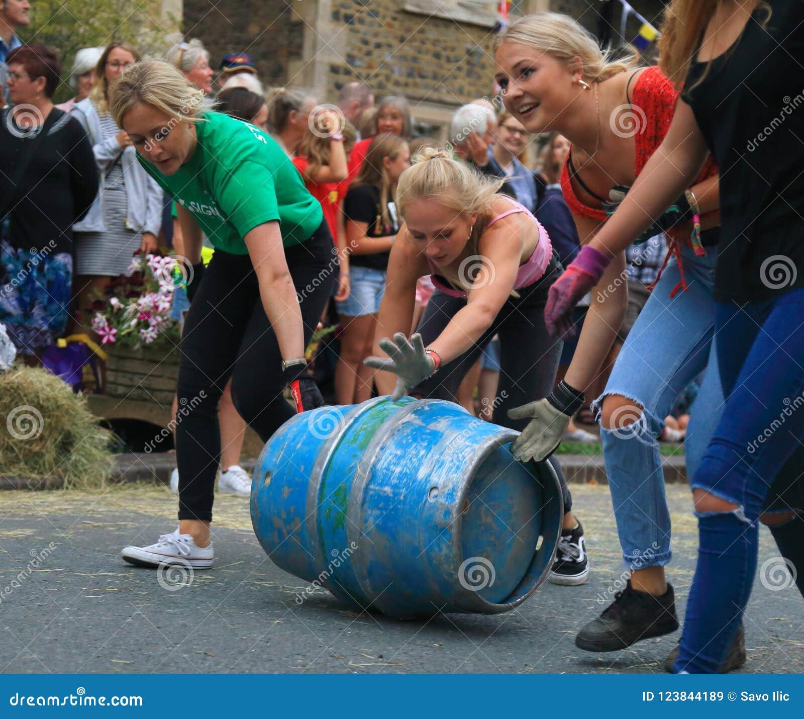 Barrel rolling race
