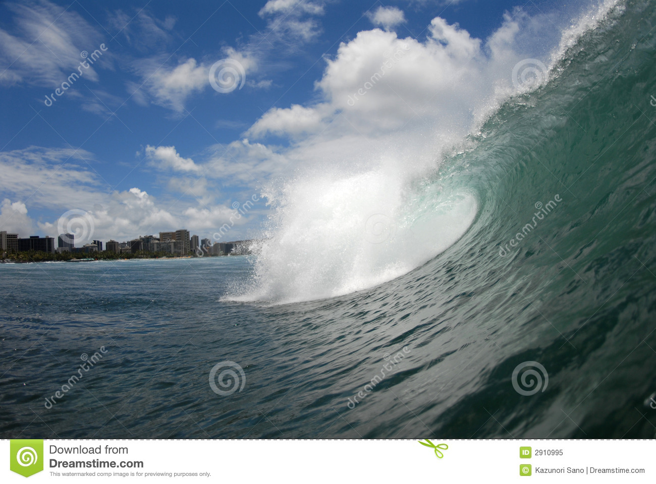 A Barreling Wave Royalty Free Stock Photo Image 2910995