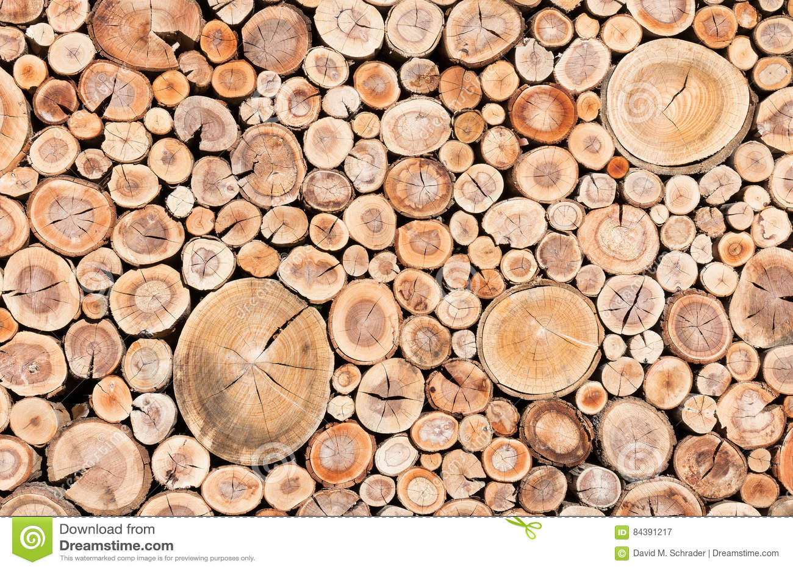 barri re en bois de corde image stock image du logs 84391217. Black Bedroom Furniture Sets. Home Design Ideas