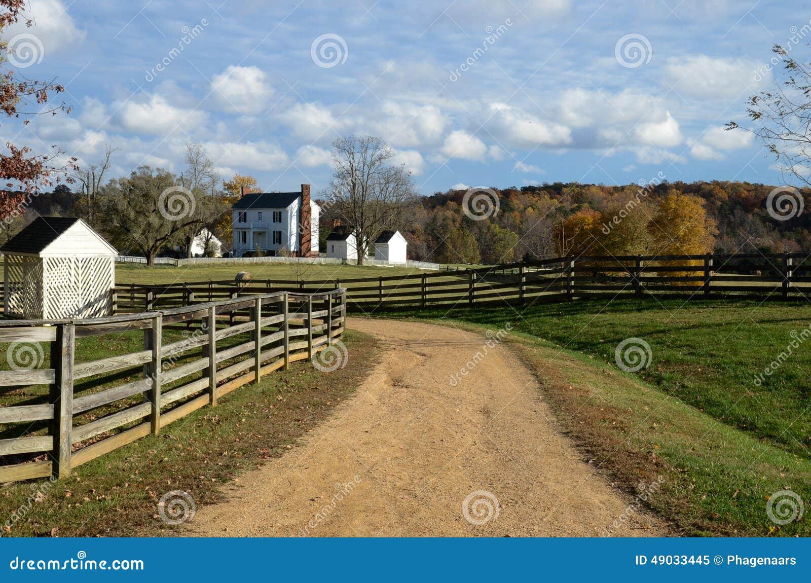 Barrières de fente-rail et champs empilés de ferme - Appomattox, la Virginie