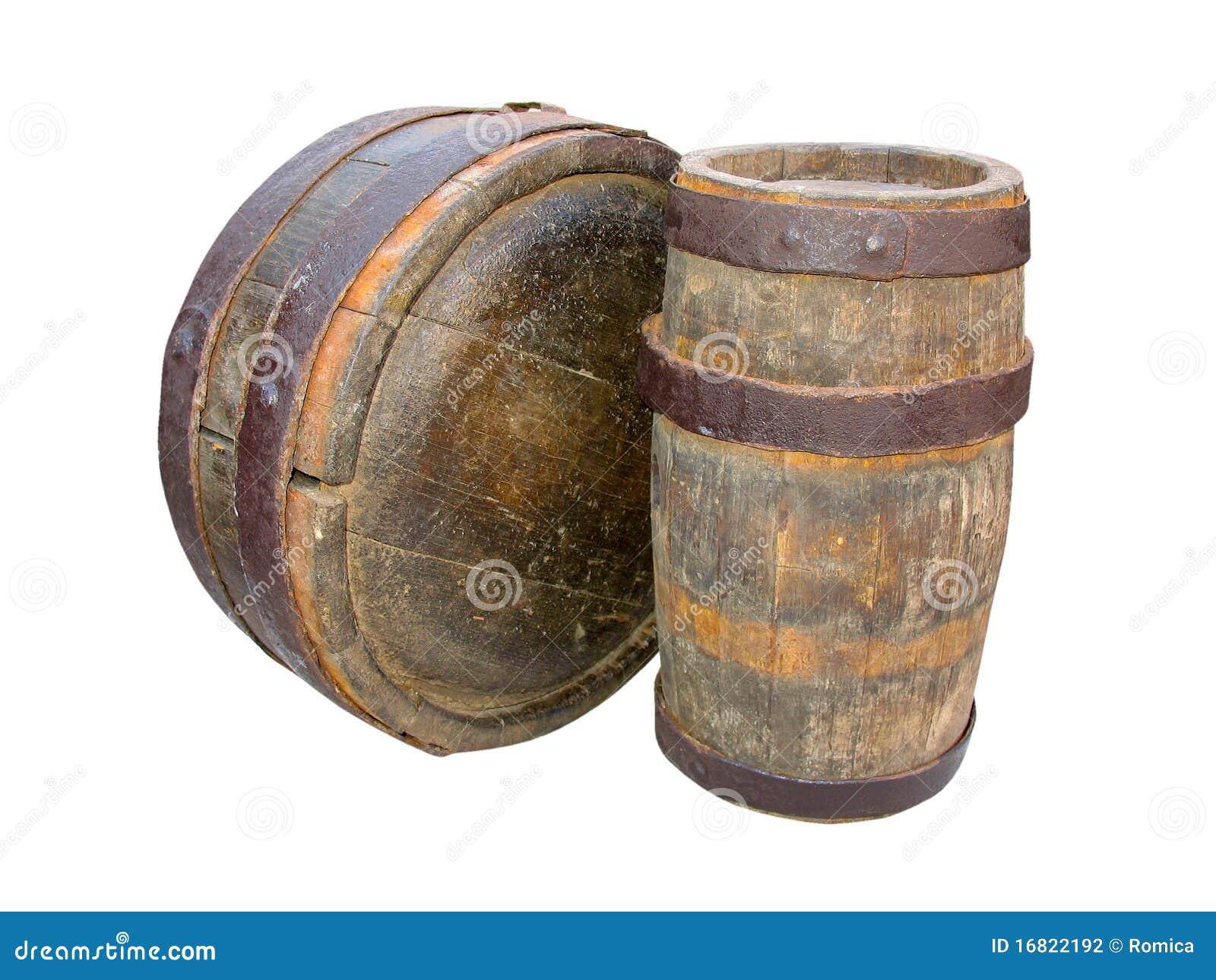 Barriles de madera antiguos aislados en blanco fotograf a for Barriles de madera bar
