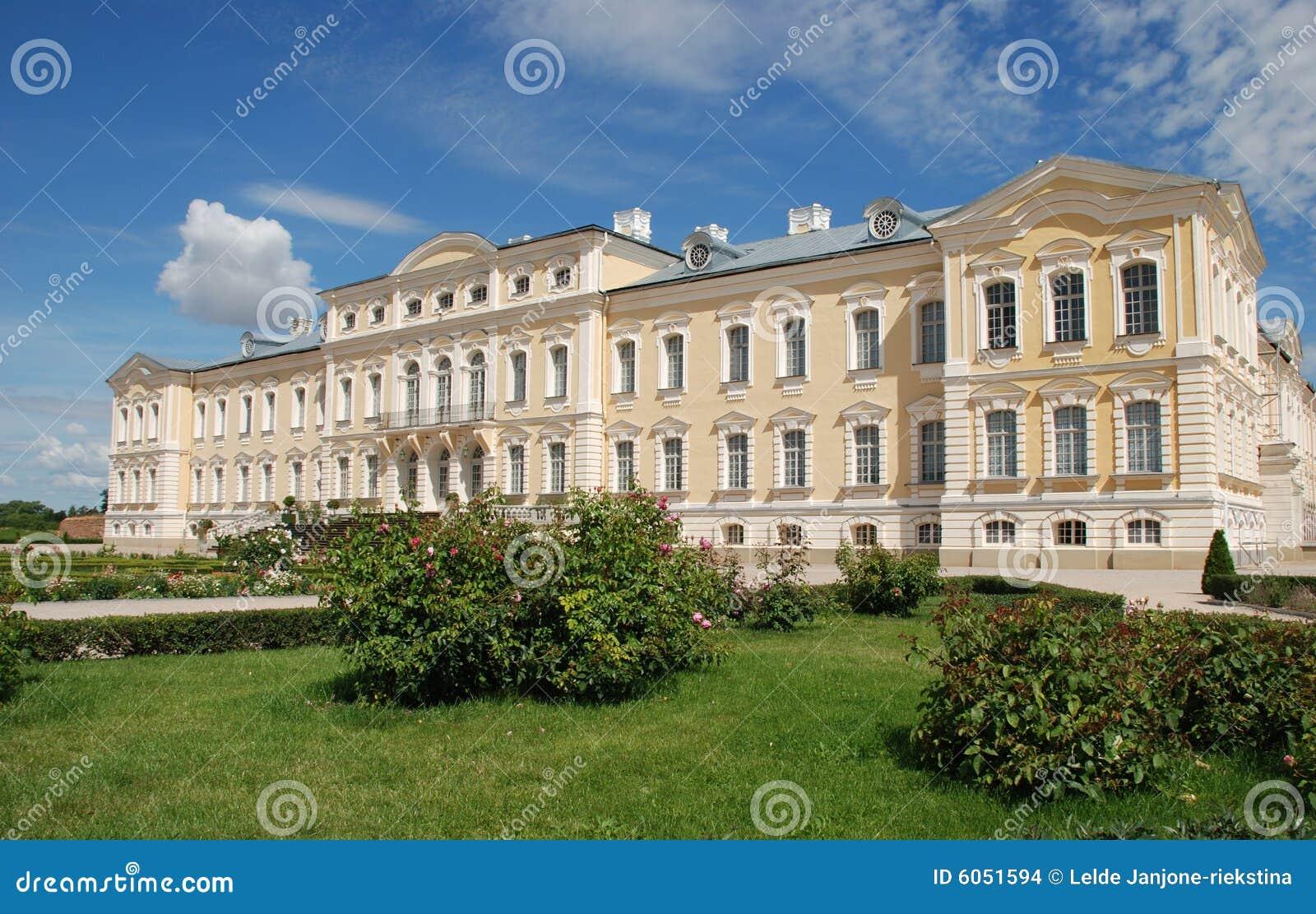 Barrocco palazzo rococo di stile fotografia stock for Palazzo in stile messicano