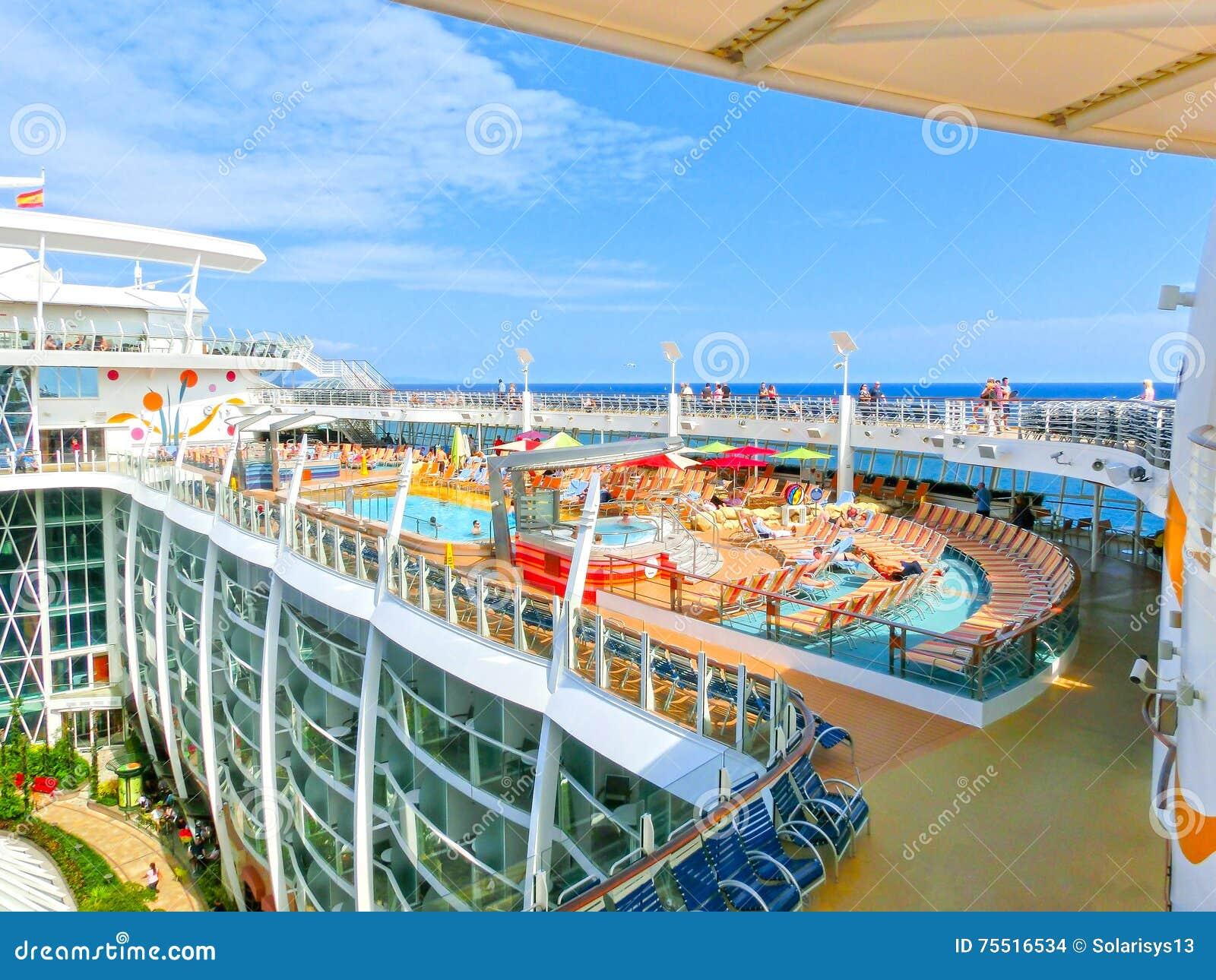Barselona, Spaine - 6 Σεπτεμβρίου 2015: Βασιλικές Καραϊβικές Θάλασσες, γοητεία των θαλασσών
