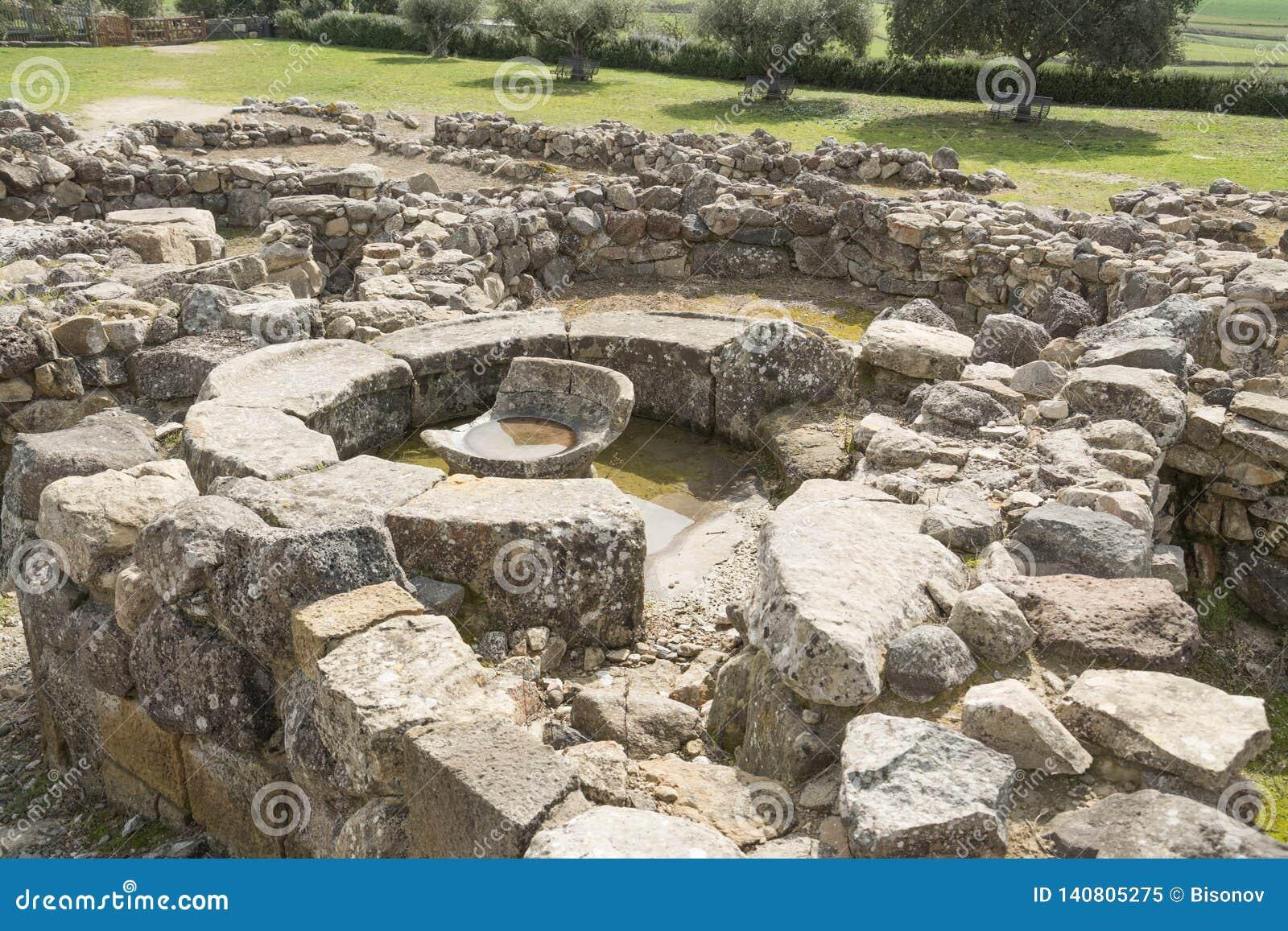 BARUMINI, Sardinien, Italien - 23. Februar 2019: Die Ruinen von SU Nuraxi nahe Barumini in Sardinien