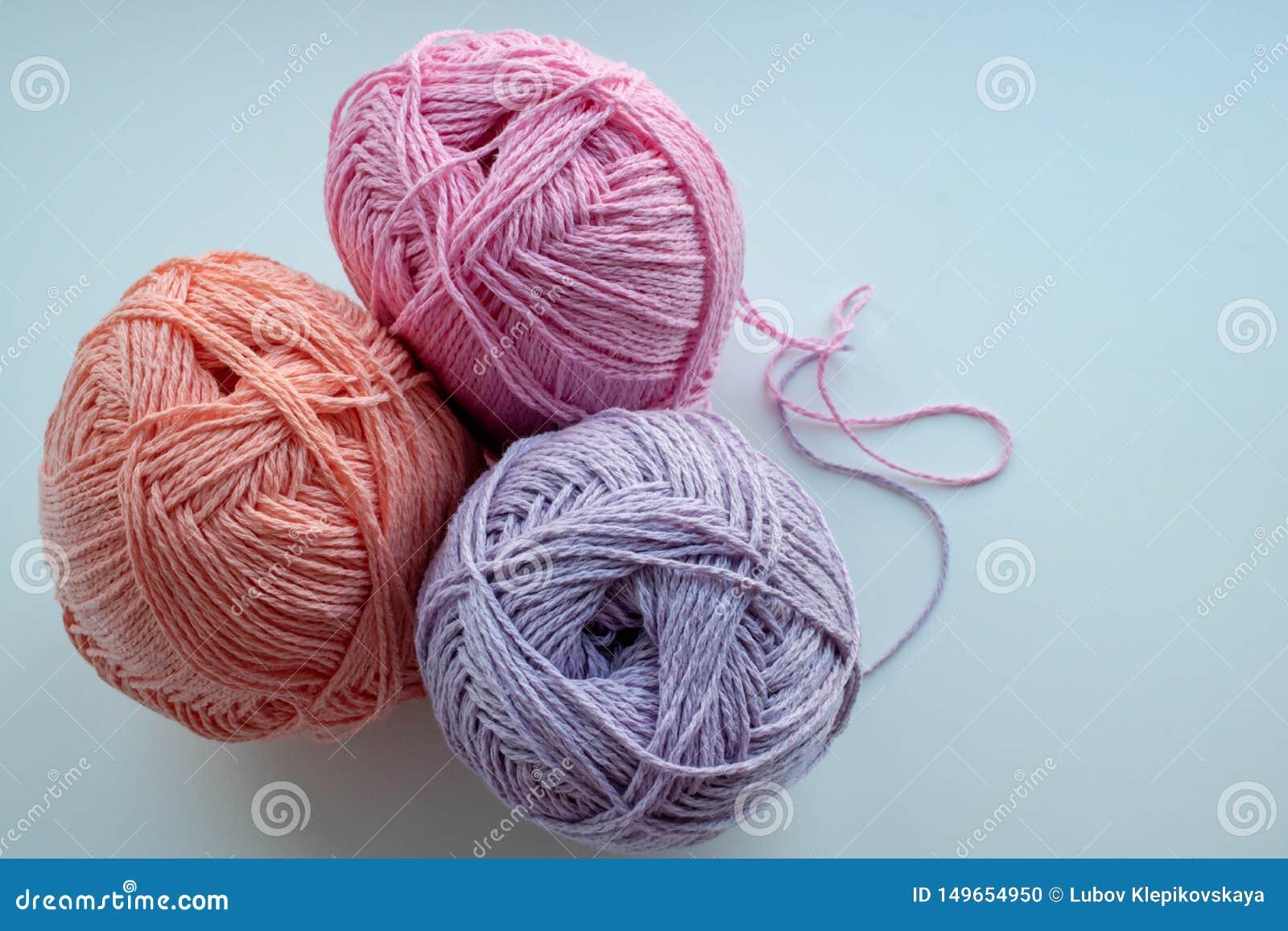 Barwione piłki przędza dla dziać