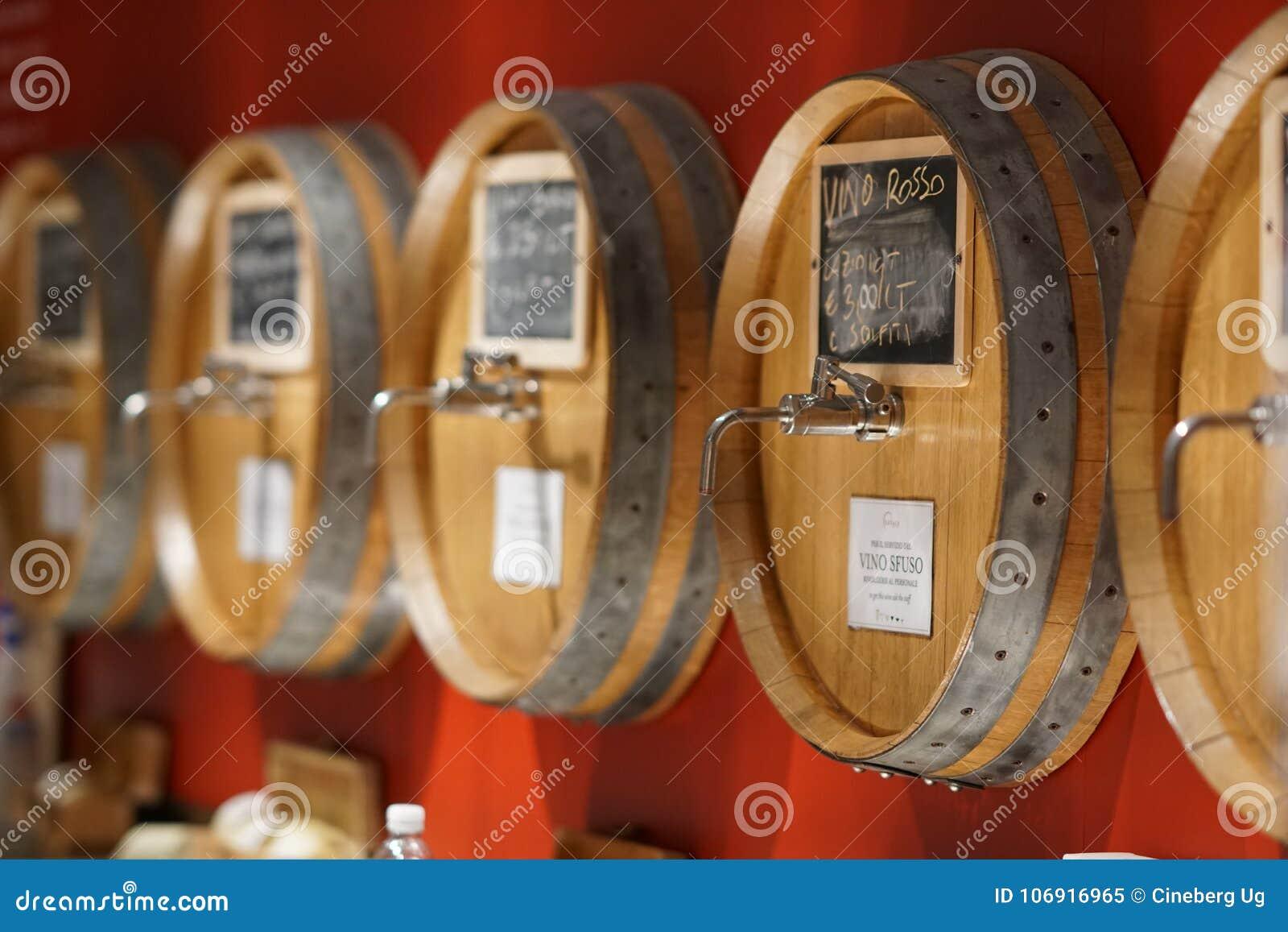 Baryłki czerwone wino