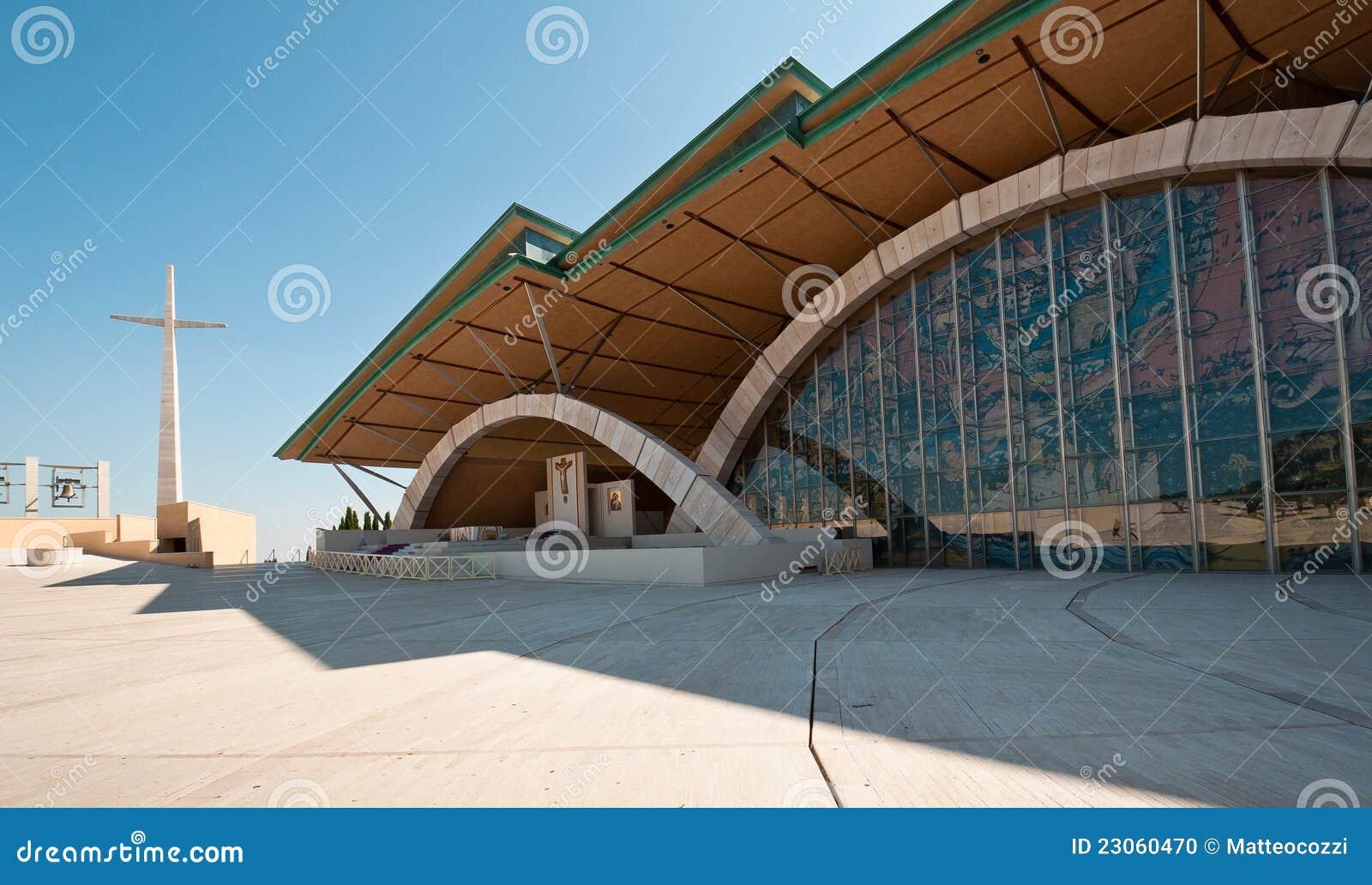 Basílica al aire libre del santo Pio