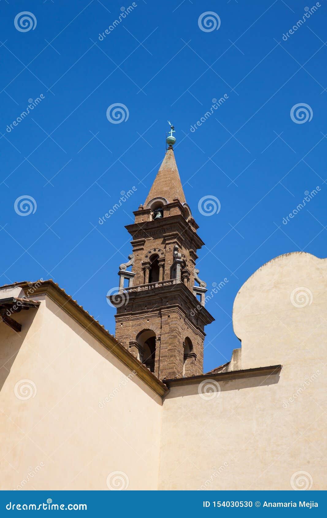 A basílica do Espírito Santo construiu 1487 em Florença