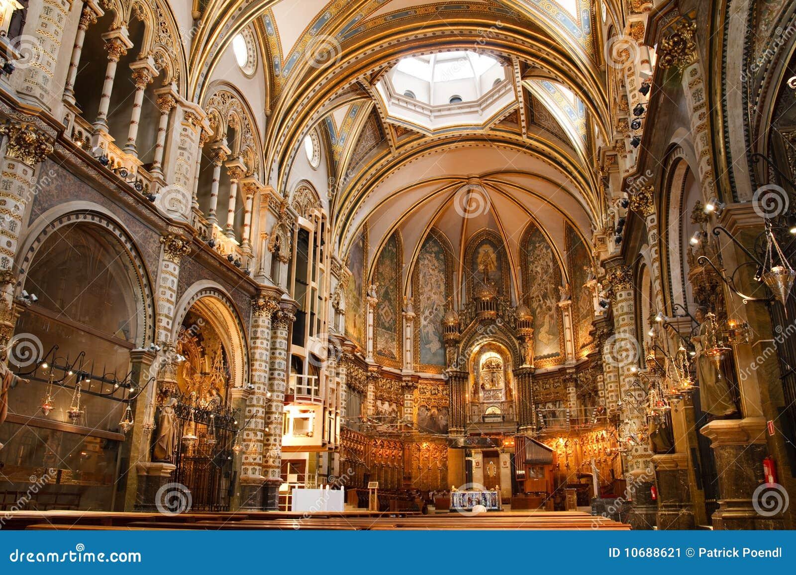 Basílica en el monasterio de Montserrat, España