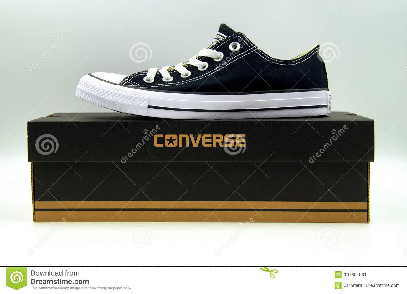 boite chaussure converse