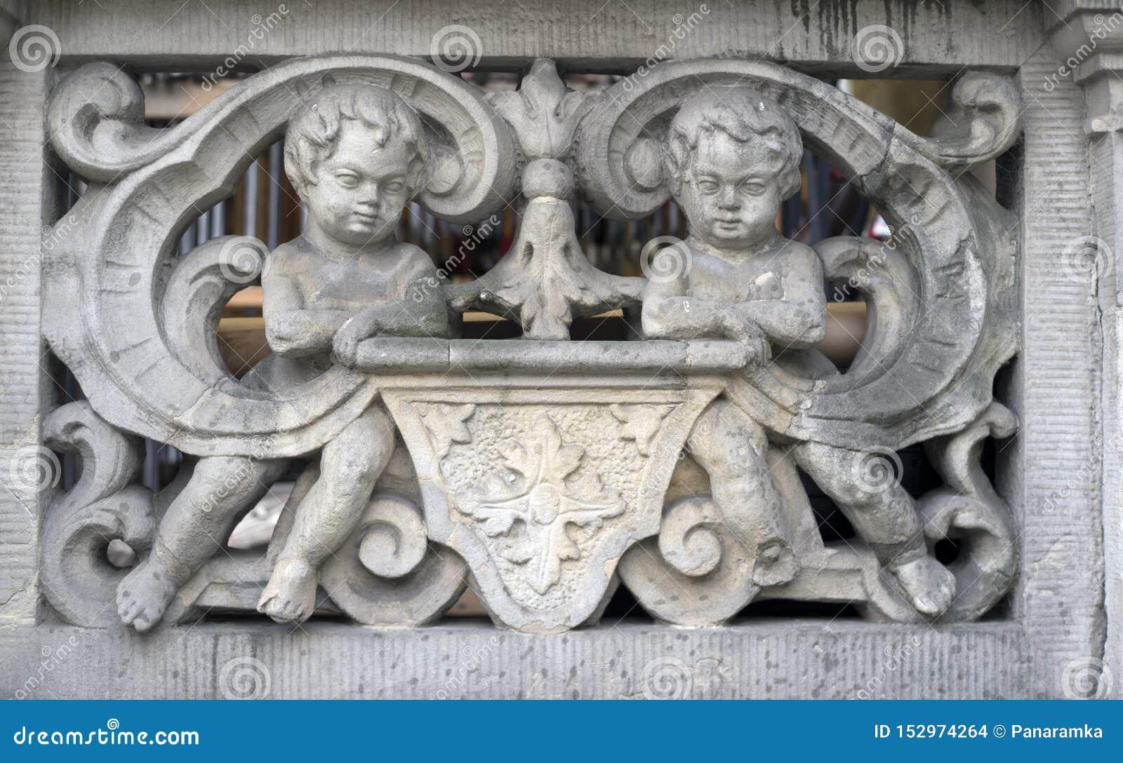 Bas-reliefs en pierre de Danzig