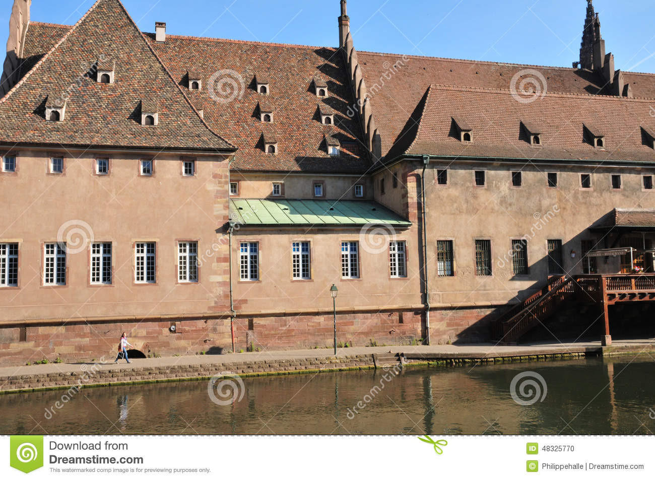 Bas rhin the picturesque city of strasbourg in alsace for Alsace carrelage strasbourg