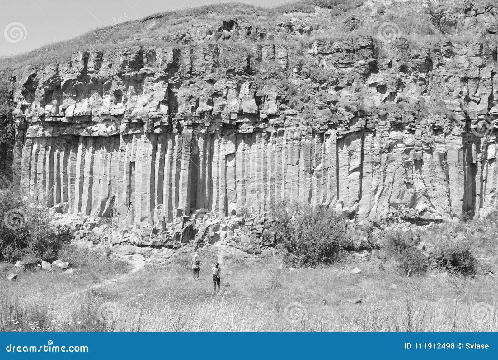 Basaltet vaggar kolonnen är vulkanisk vaggar utlöpare i form av den columnar basaltet som lokaliseras i Racos, Rumänien