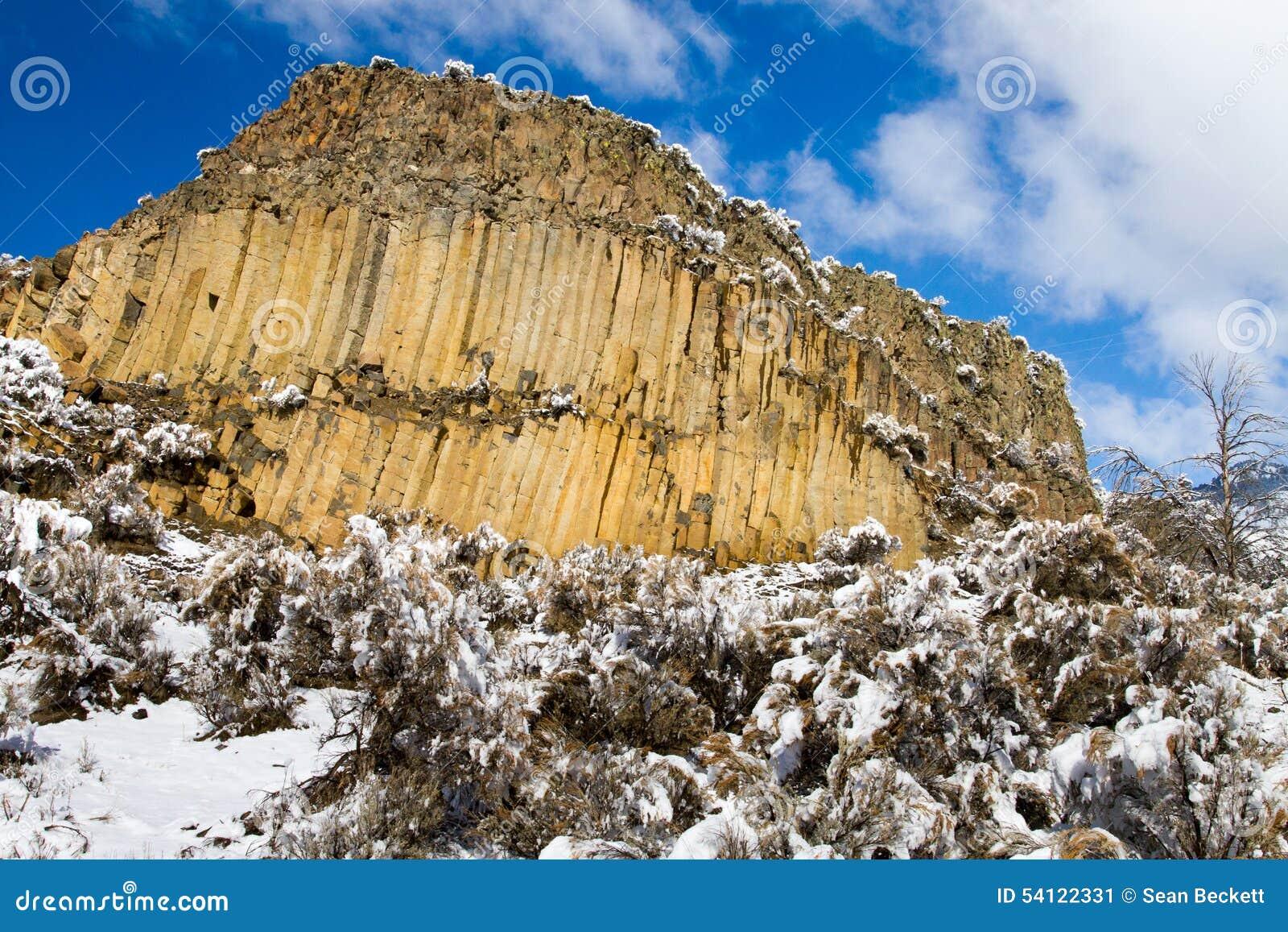 Basaltisk klippa