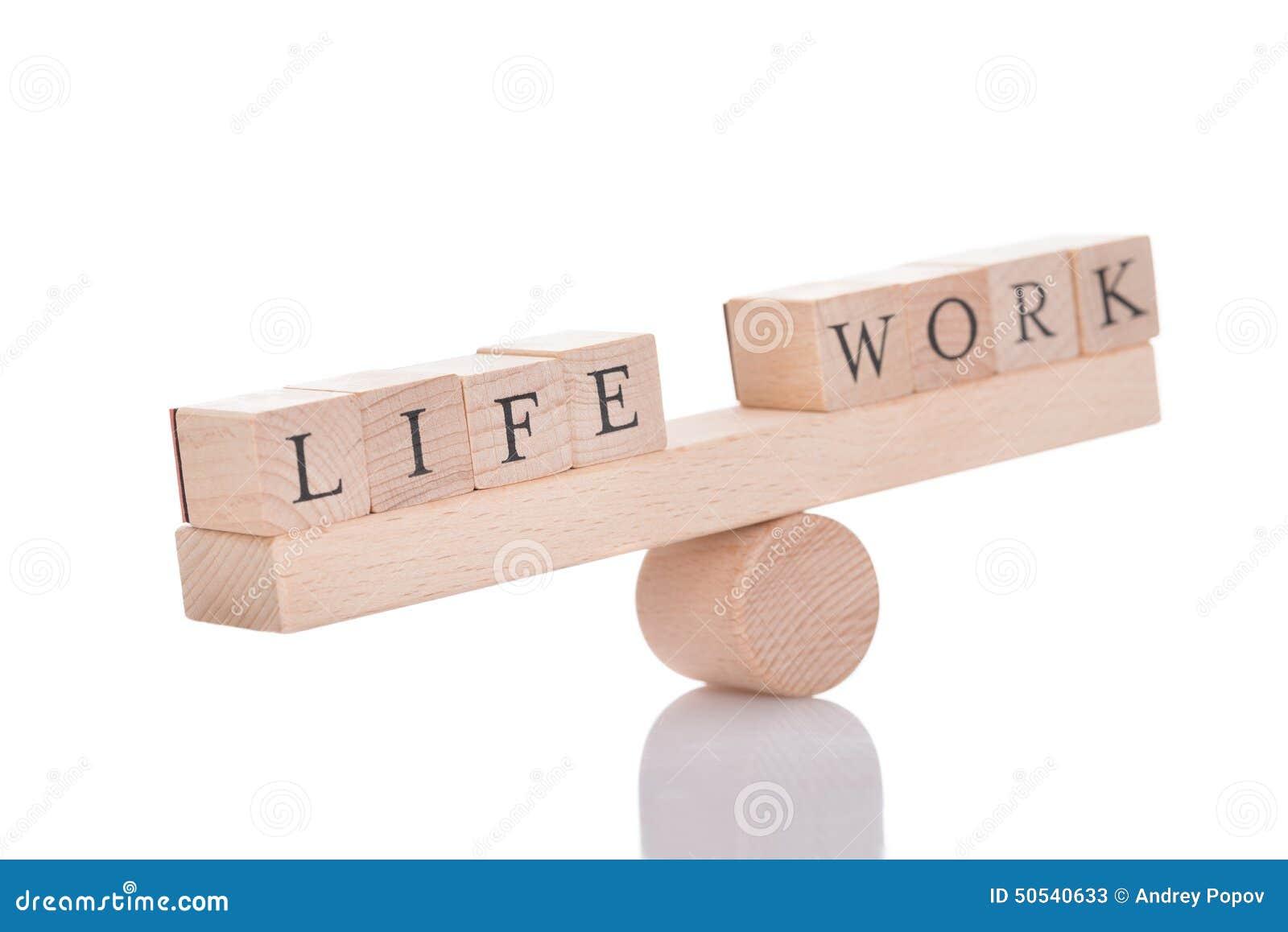 Bascule représentant le déséquilibre entre la vie et le travail