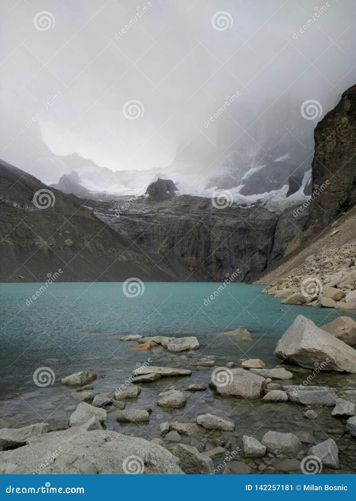 """Base de la surveillance de """"Torres del Paine """""""