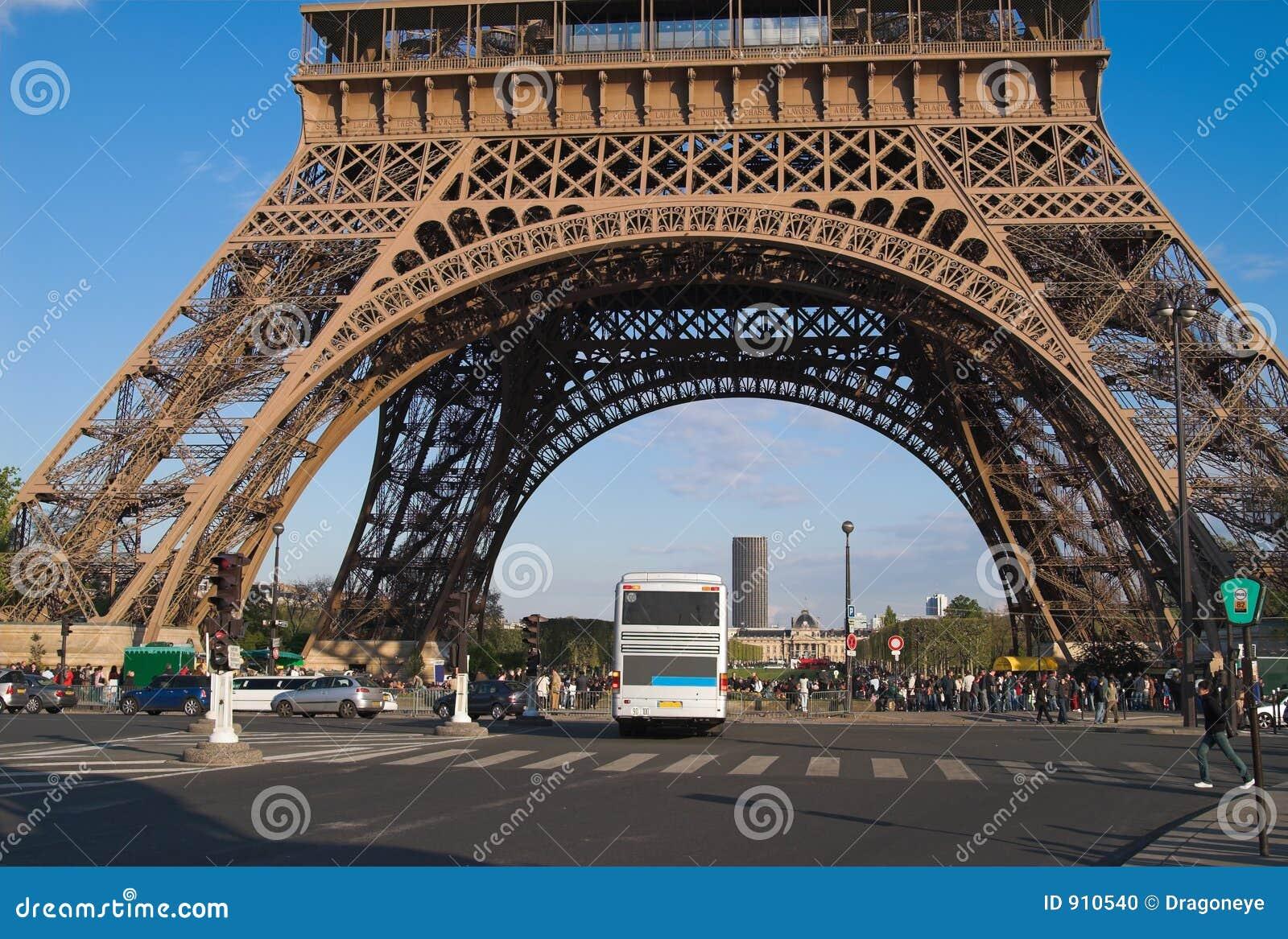 Base de tour eiffel paris photos stock inscription gratuite - Tour eiffel photos gratuites ...