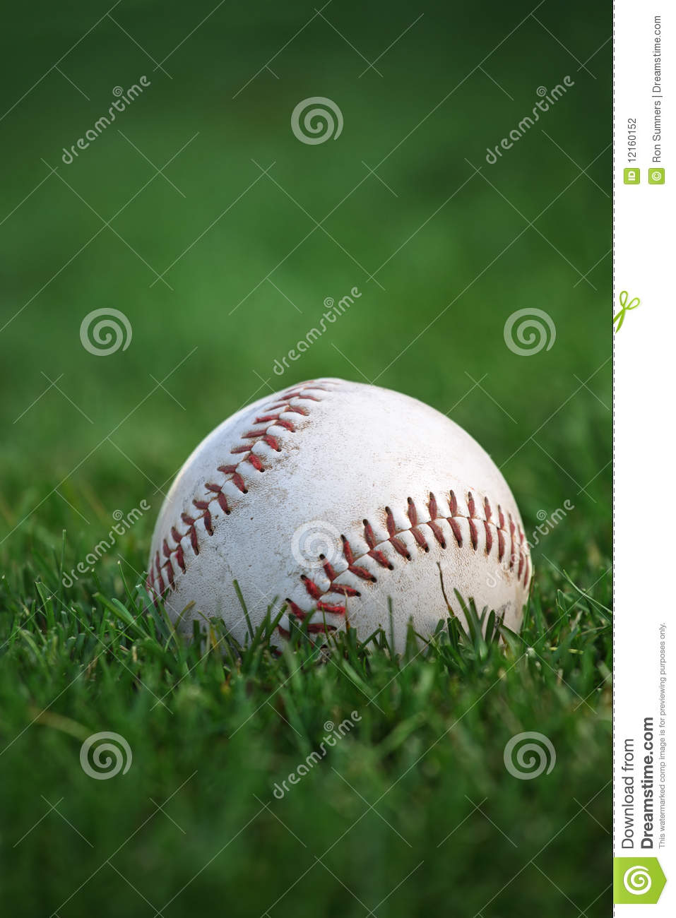 Baseball nell outfield
