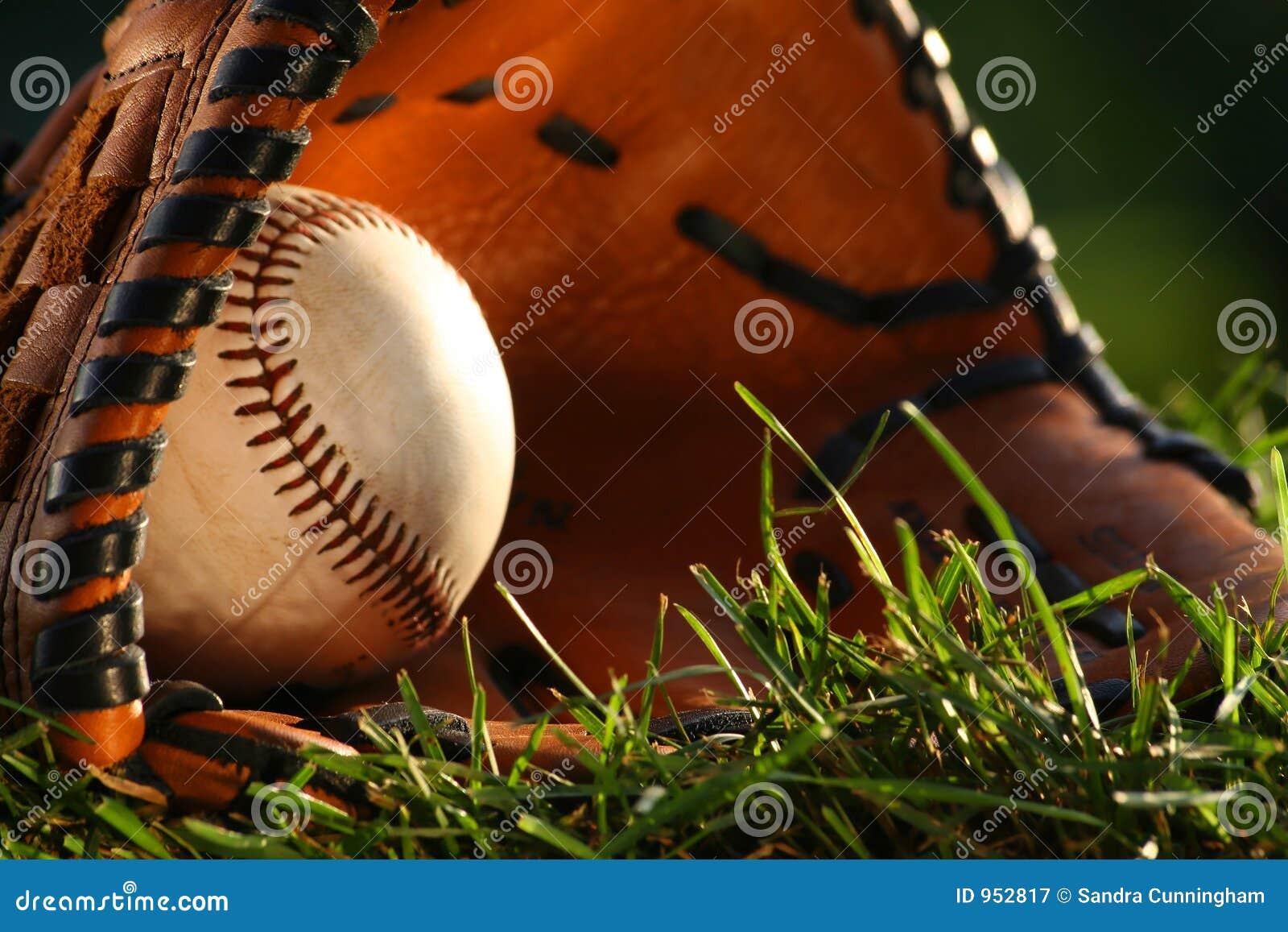 Baseball und Handschuhnahaufnahme
