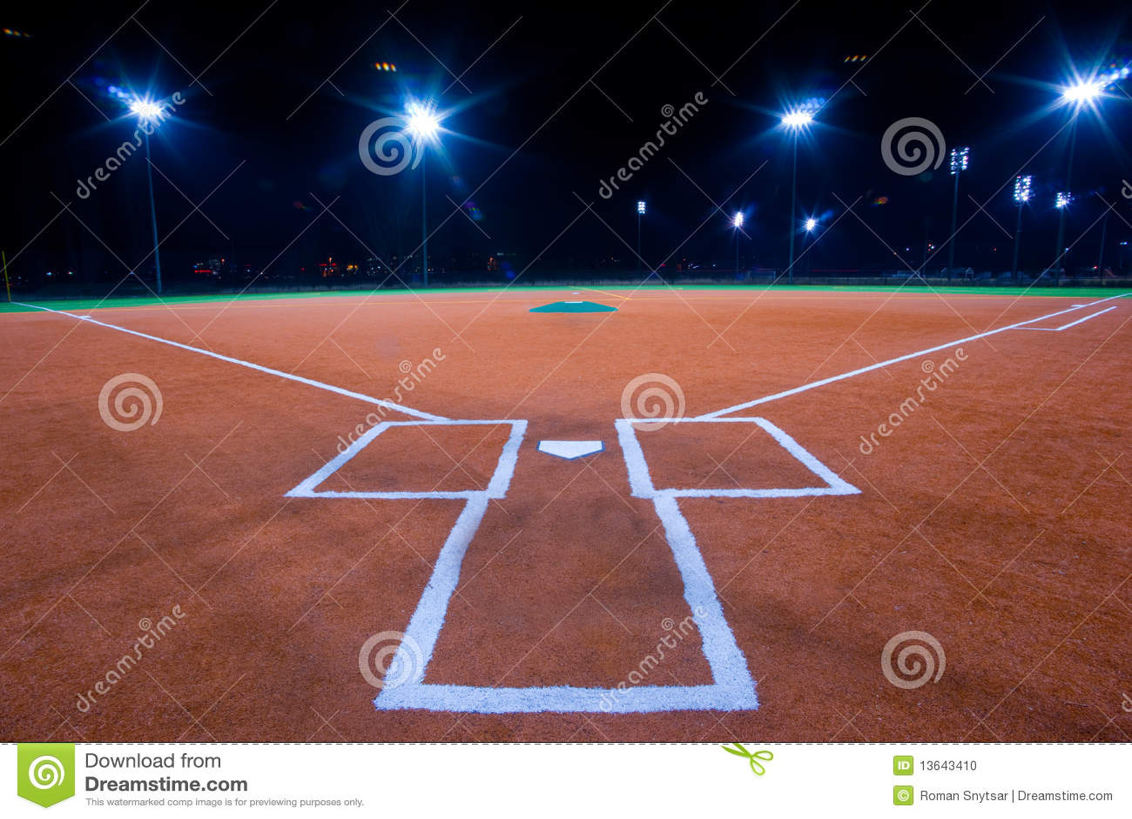 Baseballa diamentu noc