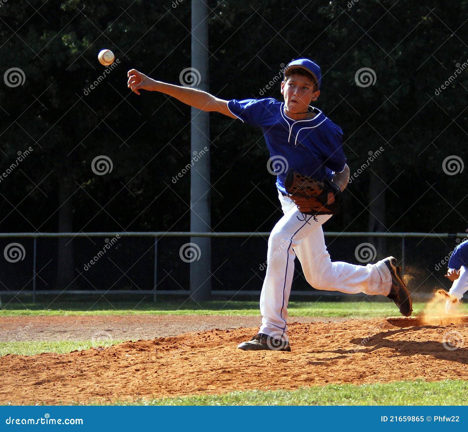 Baseballa liga mały miotacz