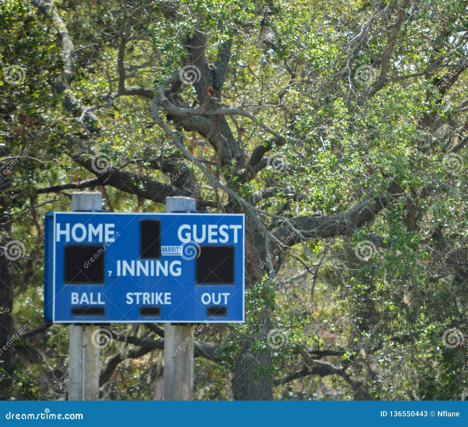 Baseballa pola zewnętrzn wynika deska w Largo, Floryda